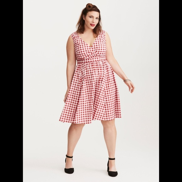 Retro Chic By Torrid Size 20 Plaid Pinup red white